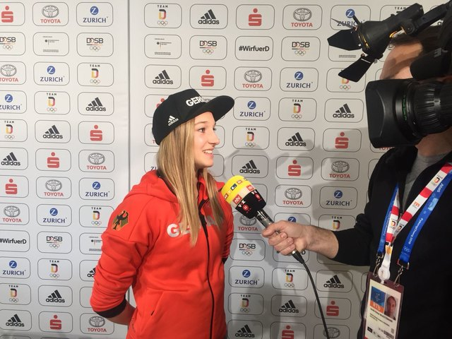 Skispringerin Katharina Althaus im Interview.